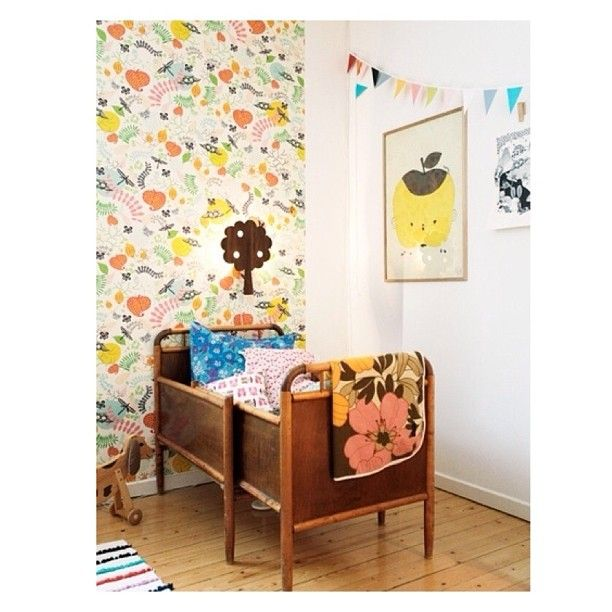 Extendable vintage crib/bed, dope #pinterestpicks #blaufinds #children #kidsdecor #retro #kidsbedding #vintagekids #kidsbedrooms #decoride...