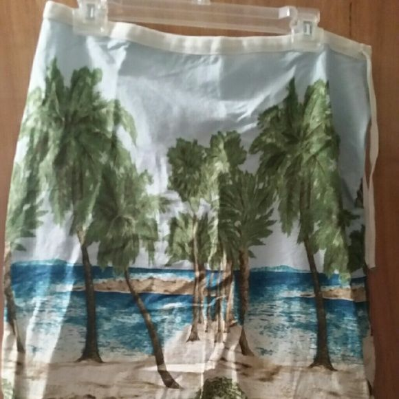 Liz Claiborne island skirt Longer, skirt. Island scene goes all the way around Liz Claiborne Skirts Pencil