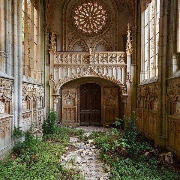 Such a beautiful abandoned church in France.