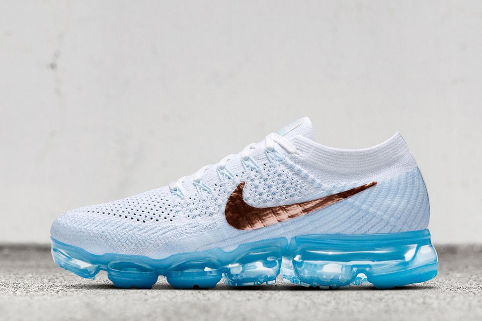 4af25f9c52da1 nike vapormax flyknit 2 colorways Nike Air VaporMax Flyknit to Release in  Two Copper Accented .