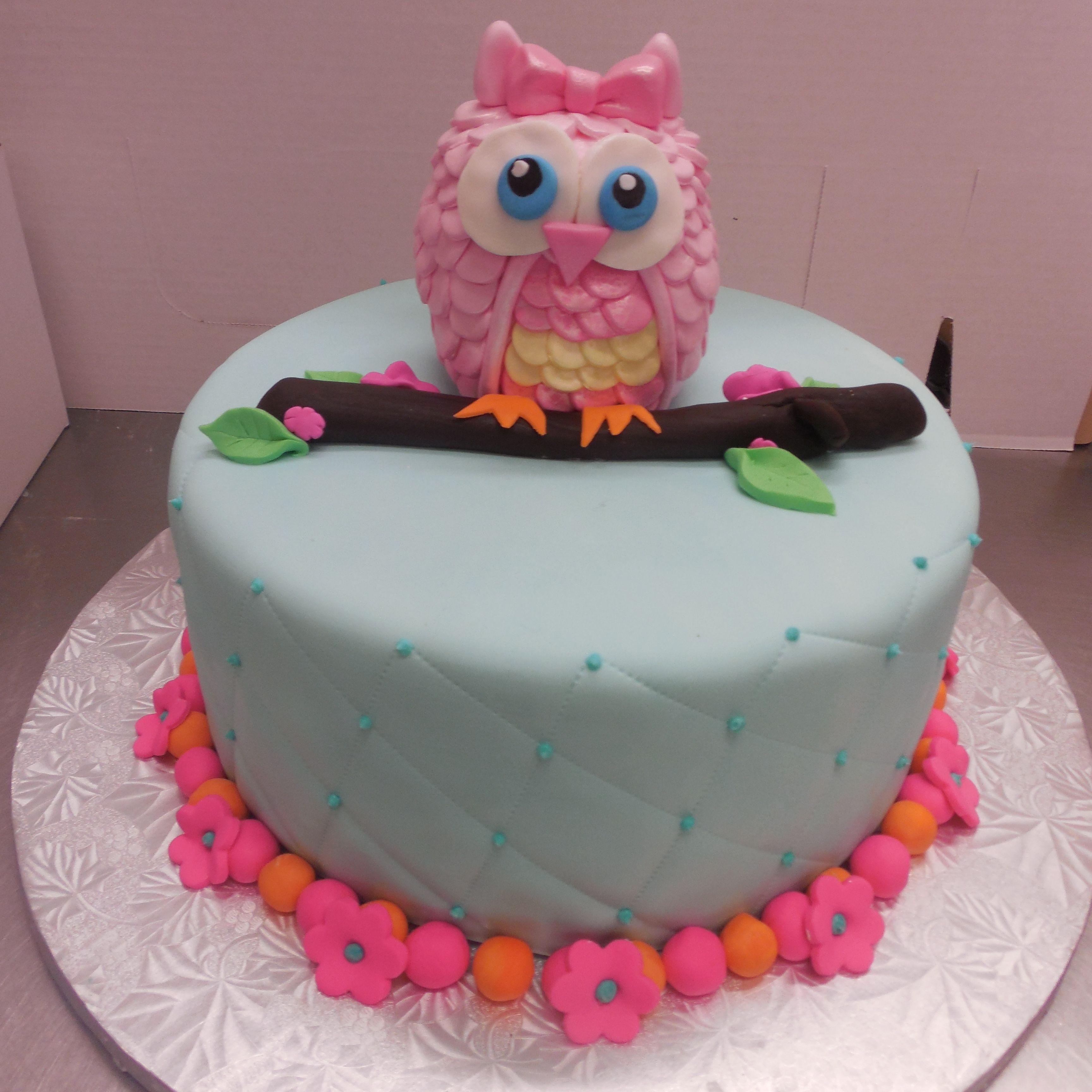 Calumet Bakery Fondant Owl Cake