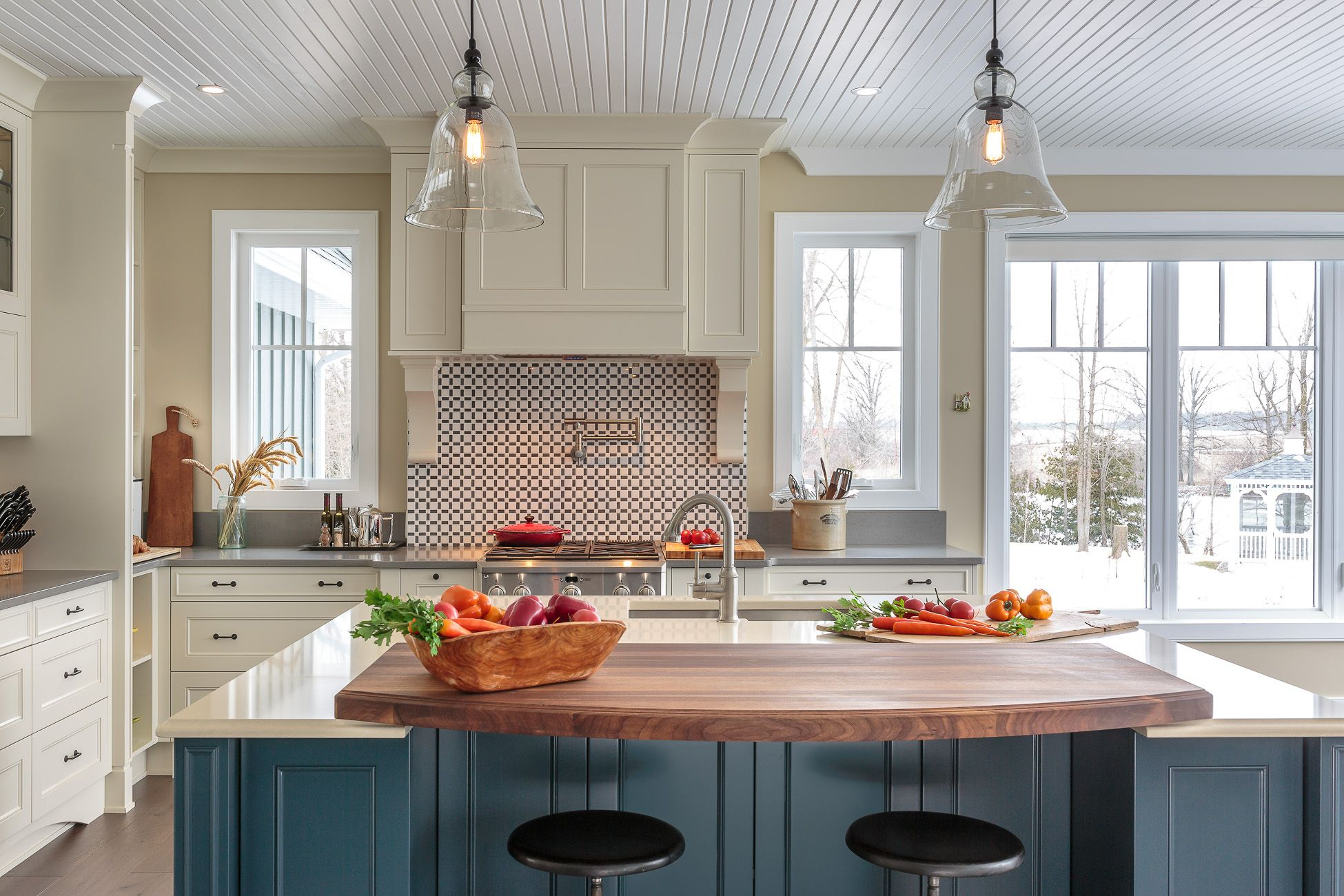 Traditional Country Kitchen Designastro Design Centre In Awesome Kitchen Designer Ottawa Inspiration Design