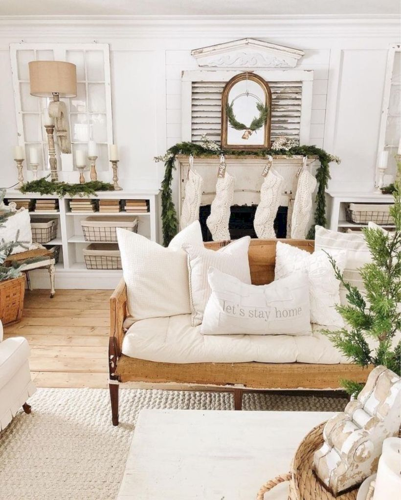Winter Living Room Decorating: 47 Affordable Farmhouse Living Room Décor Ideas For Winter