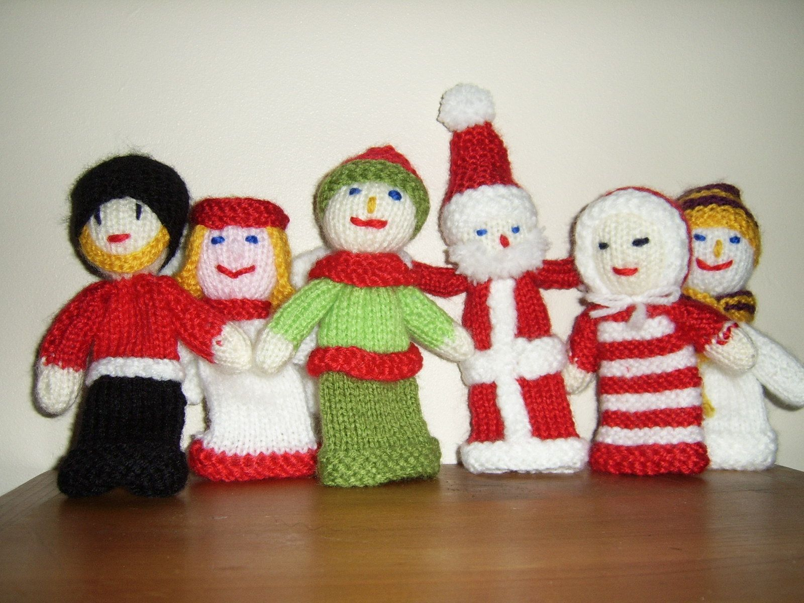 Free knitting patterns knitted toys hats scarf christmas knitted free knitting patterns knitted toys hats scarf christmas knitted toys christmas knitted decorations finger puppets fabric bankloansurffo Images