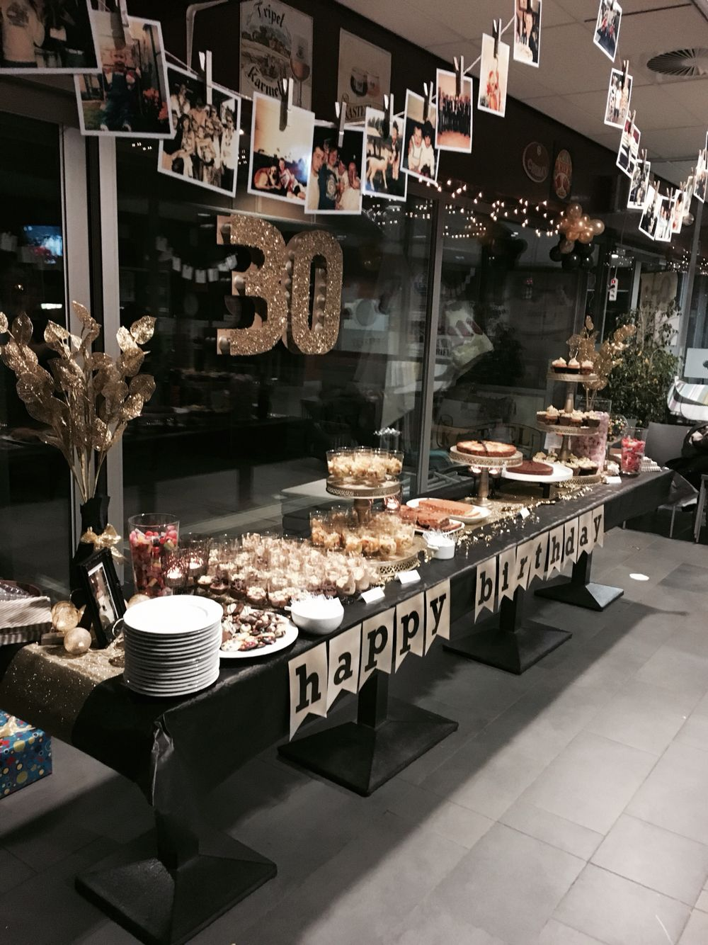 Dessertbuffet Black Gold 30th Birthday Decorations Party Themes