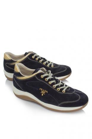 Prada Sneakers  Price Sales : THB 16,218