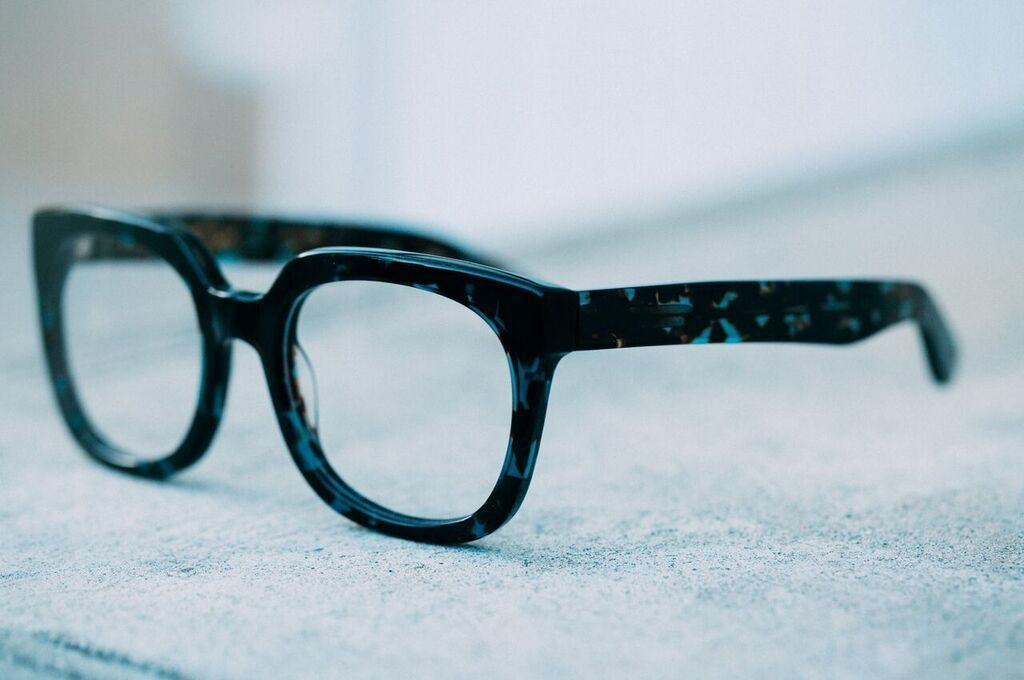 693a0262eb13 RITZY Eyeglasses  Oversized Square Frame in Golden Bark Tortoise. Time to  drink champagne and dance on tables in the 1920s inspired RITZY glasses.