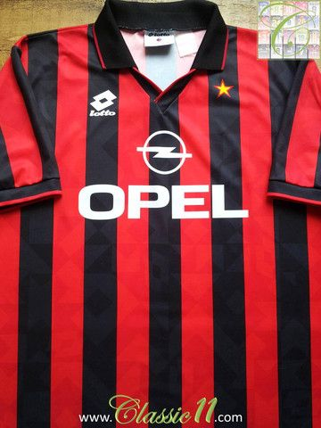 Relive AC Milan's 1994/1995 season with this vintage Lotto home football shirt.
