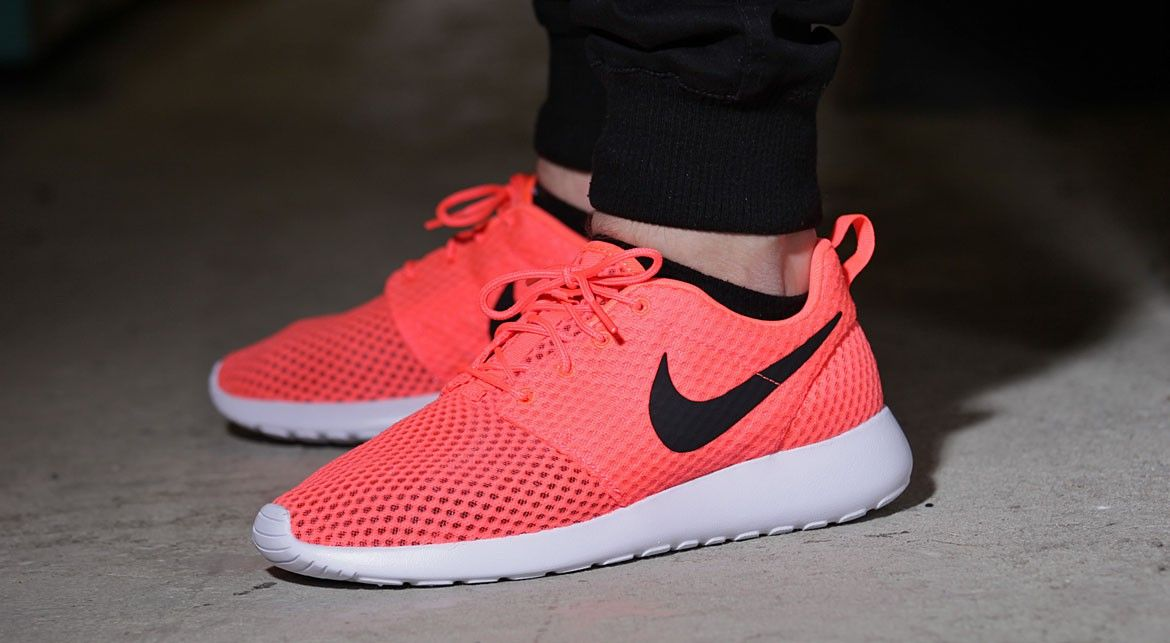 nike roshe run one by hot lava