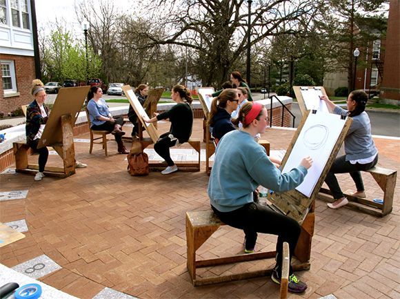 outdoor drawing class