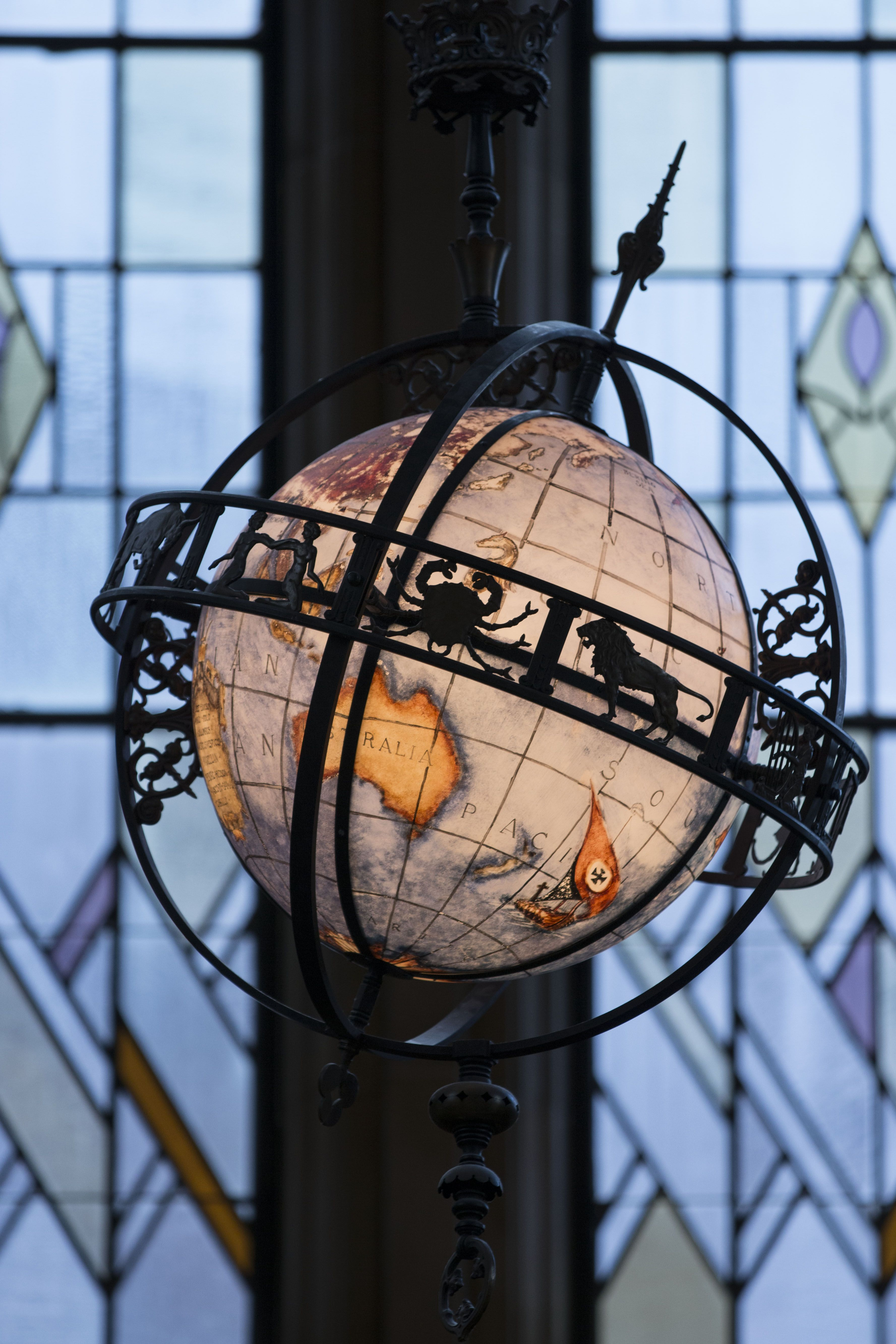 Beautiful Globe In The Suzzallo Library Reading Room
