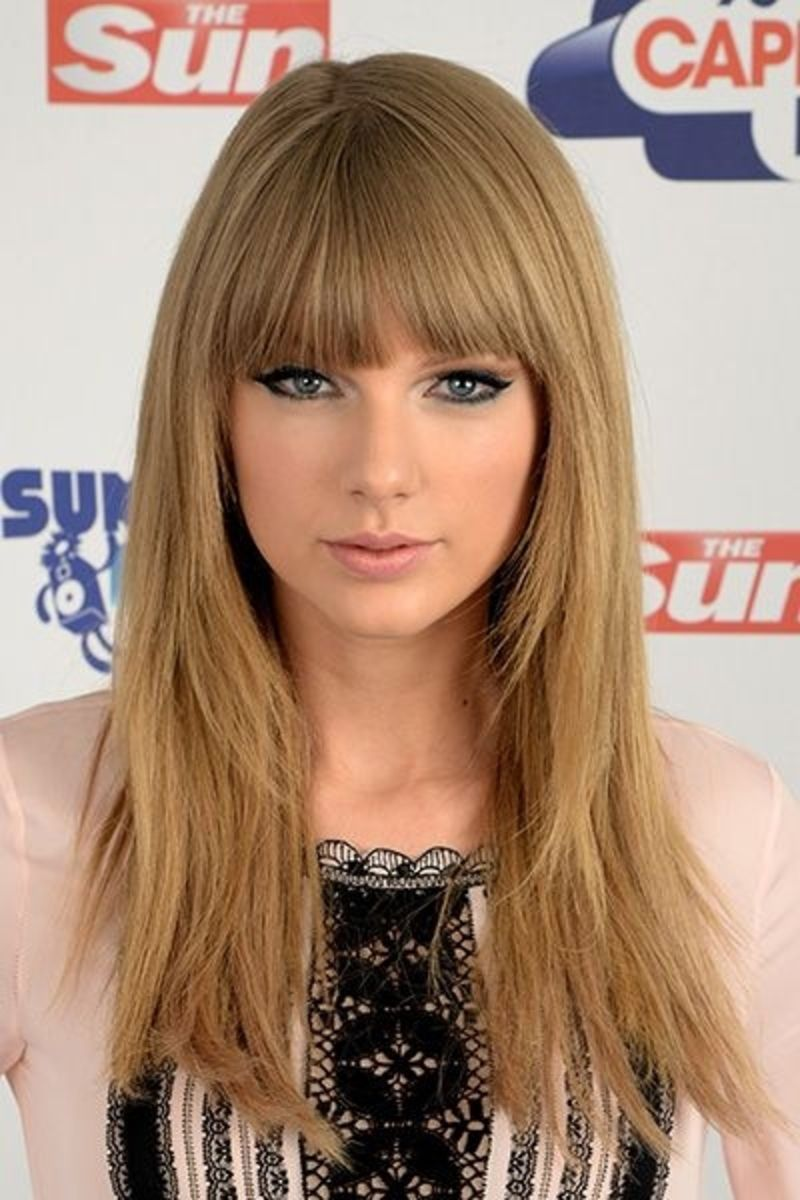 Taylor S Bangs Taylor Swift Hair Color Taylor Swift Hair Hair Styles