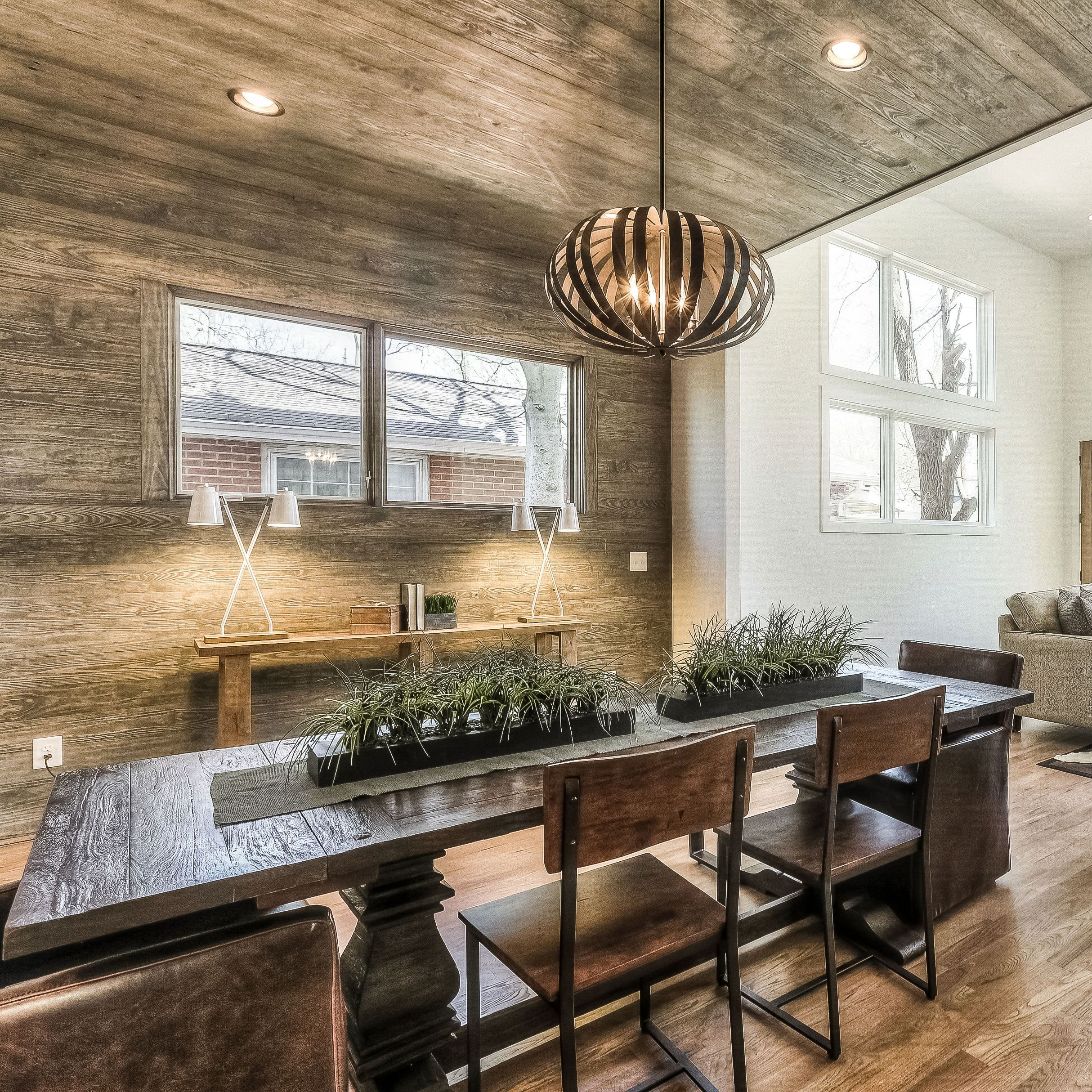 33 Modern Style Cozy Wooden Kitchen Design Ideas: Now That's What You Call A Warm And Cozy Dining Room