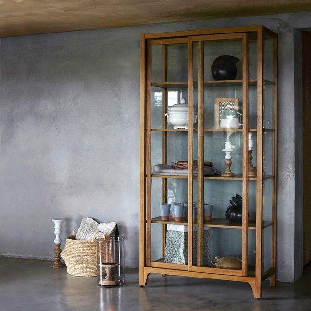 vitrine saga seiten und r ckwand glas vitrinen pinterest glasschrank erdgeschoss und. Black Bedroom Furniture Sets. Home Design Ideas
