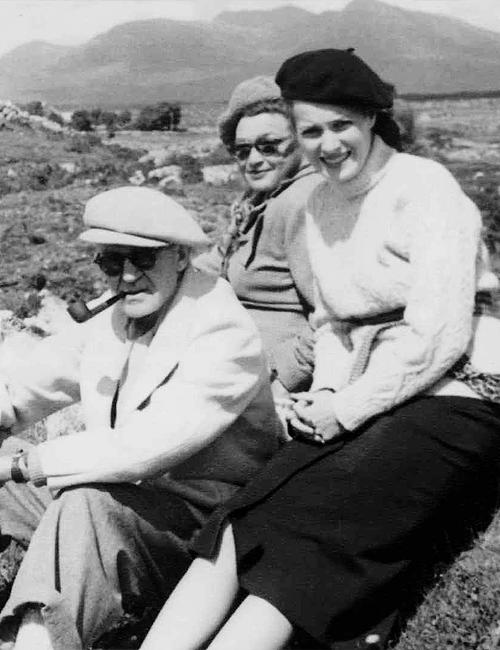 """cateblanchettes: John Ford e Maureen O'Hara, nella foto in Irlanda occidentale durante le riprese di """"The Quiet Man"""" (1952)"""