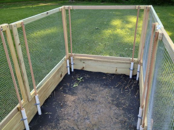 Removable fence for raised garden bed organic garden for Garden bed fence ideas