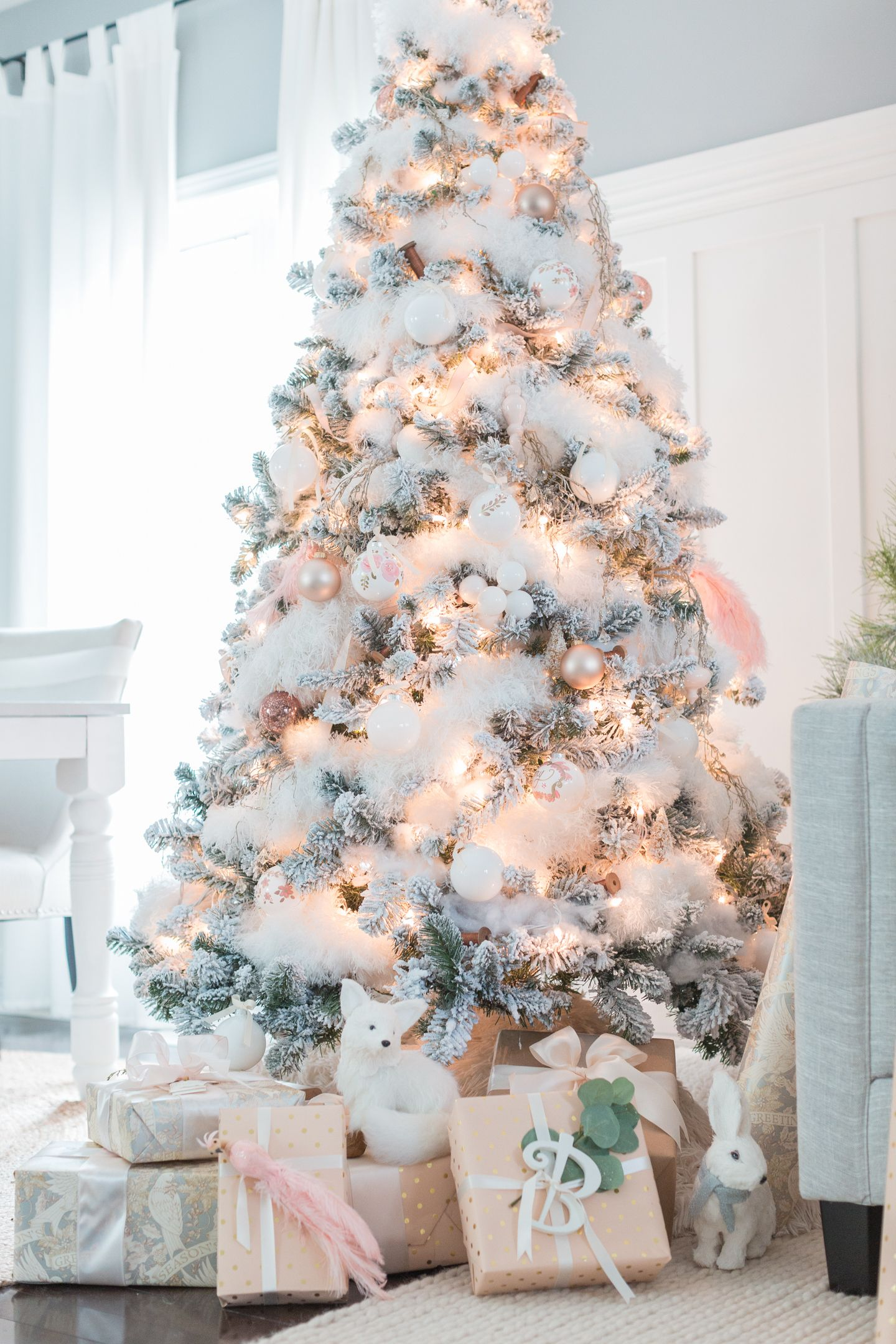 a gorgeous white and pale pink tree from craftberry bush flocked christmas trees christmas ornaments