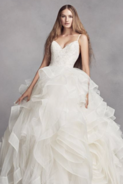 Vera Wang Wedding Dresses Designed A Stunning Collection For Davids Bridal At An Affordable Price Try On Gorgeous White Designer Gown