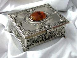 Prezent Szkatulka Posrebrzana Z Bursztynem Pamiatka Z Polski Decorative Boxes Decor Home Decor