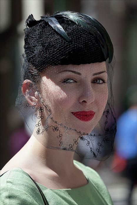 Bildresultat för hat with veil