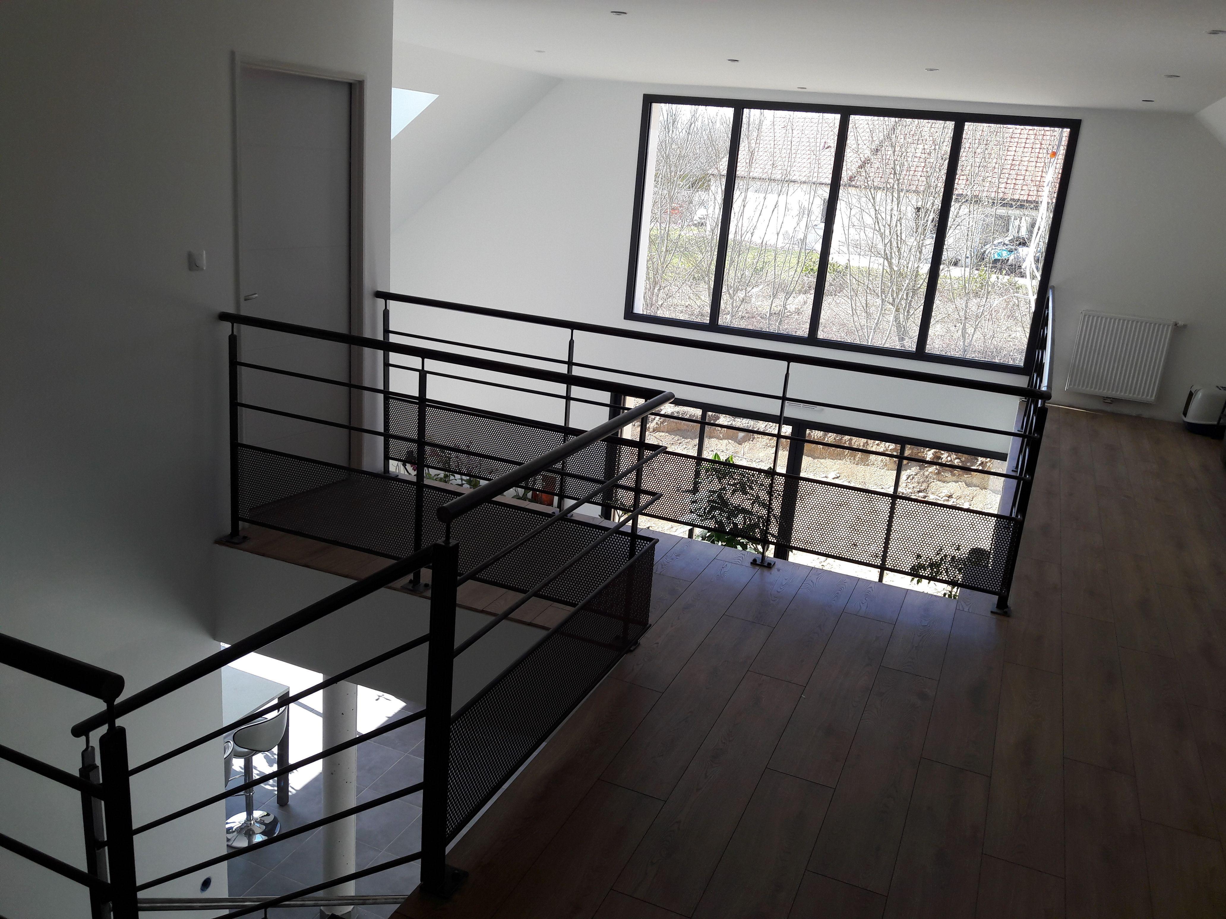 Mezzanine Moderne Maison Contemporaine A Dijon Maison Contemporaine Interieur Maison Contemporaine Maison