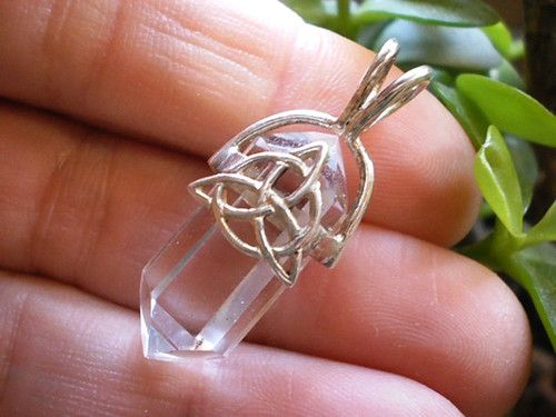 Silver CELTIC TRIQUETRA KNOT Quartz Point PENDANT #5 Crystal Healing Jewelry