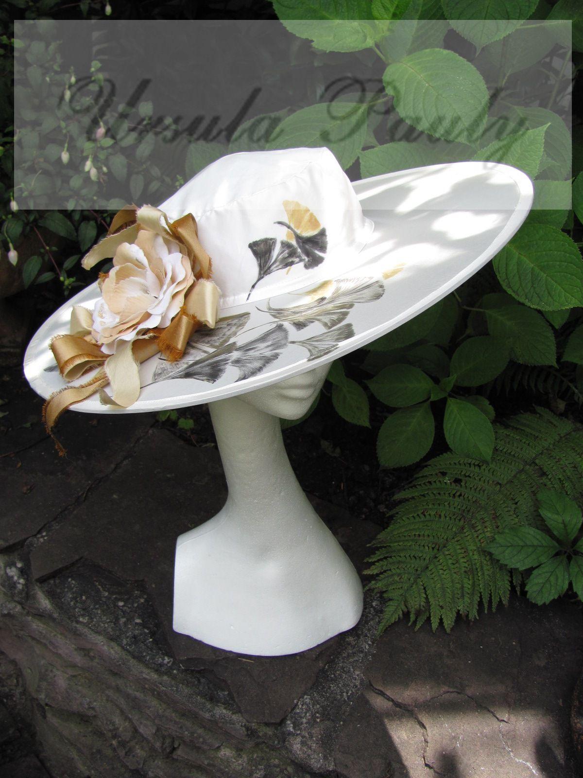 Ginkgoblätter auf einem Seidenhut gegemalt ........Garnitur Seidenblüte und Seidenbänder