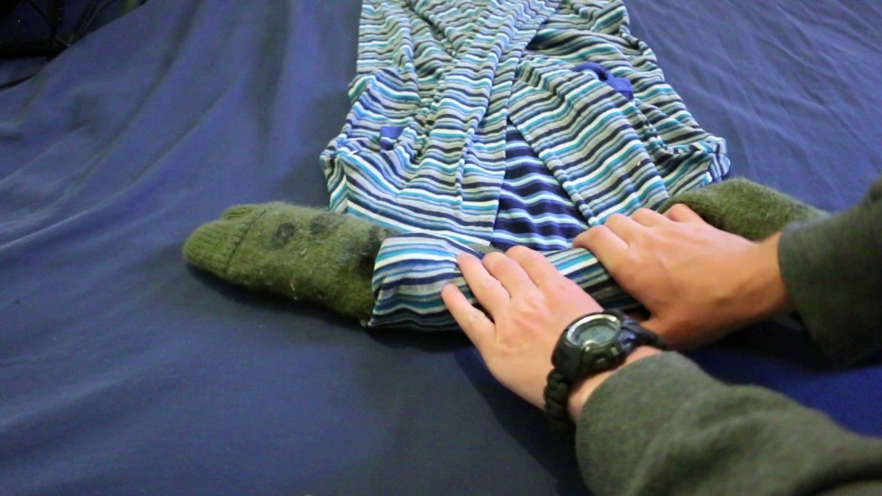 Howto Fold your clothes for travel camping hiking