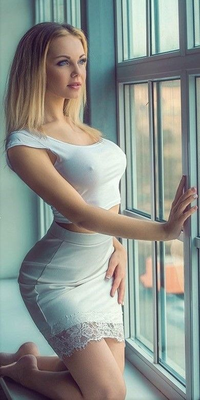 Shapely sexy girls