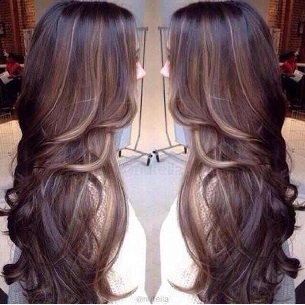Trend capelli lunghi voluminosi per la ragazza femminili 2014