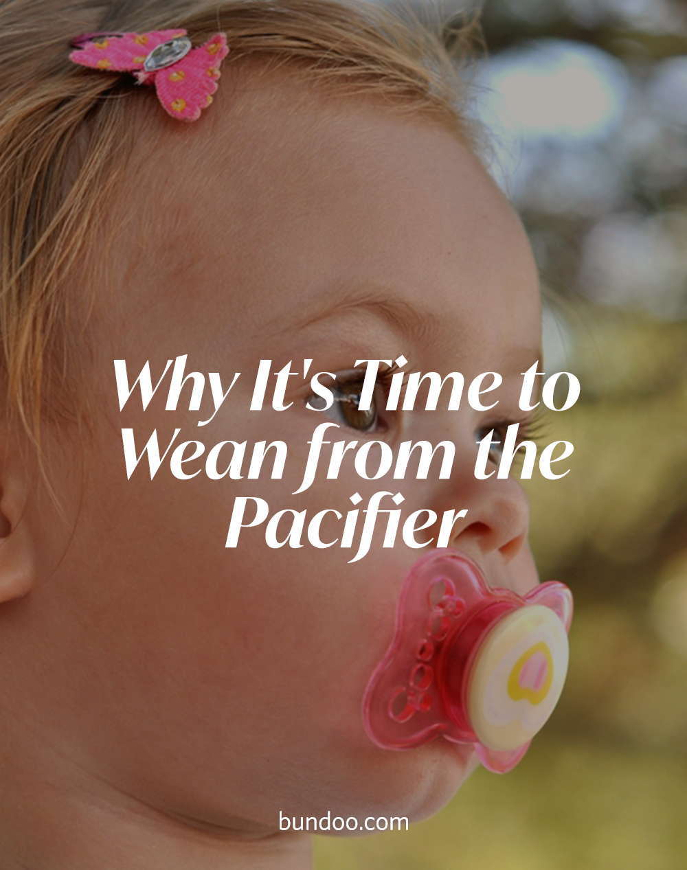 When is the best time to help your baby give up on the pacifier? And why do you even need to wean from the paci? #pacifier #weaning #weanpacifier #toddlerlife #dentalhealth