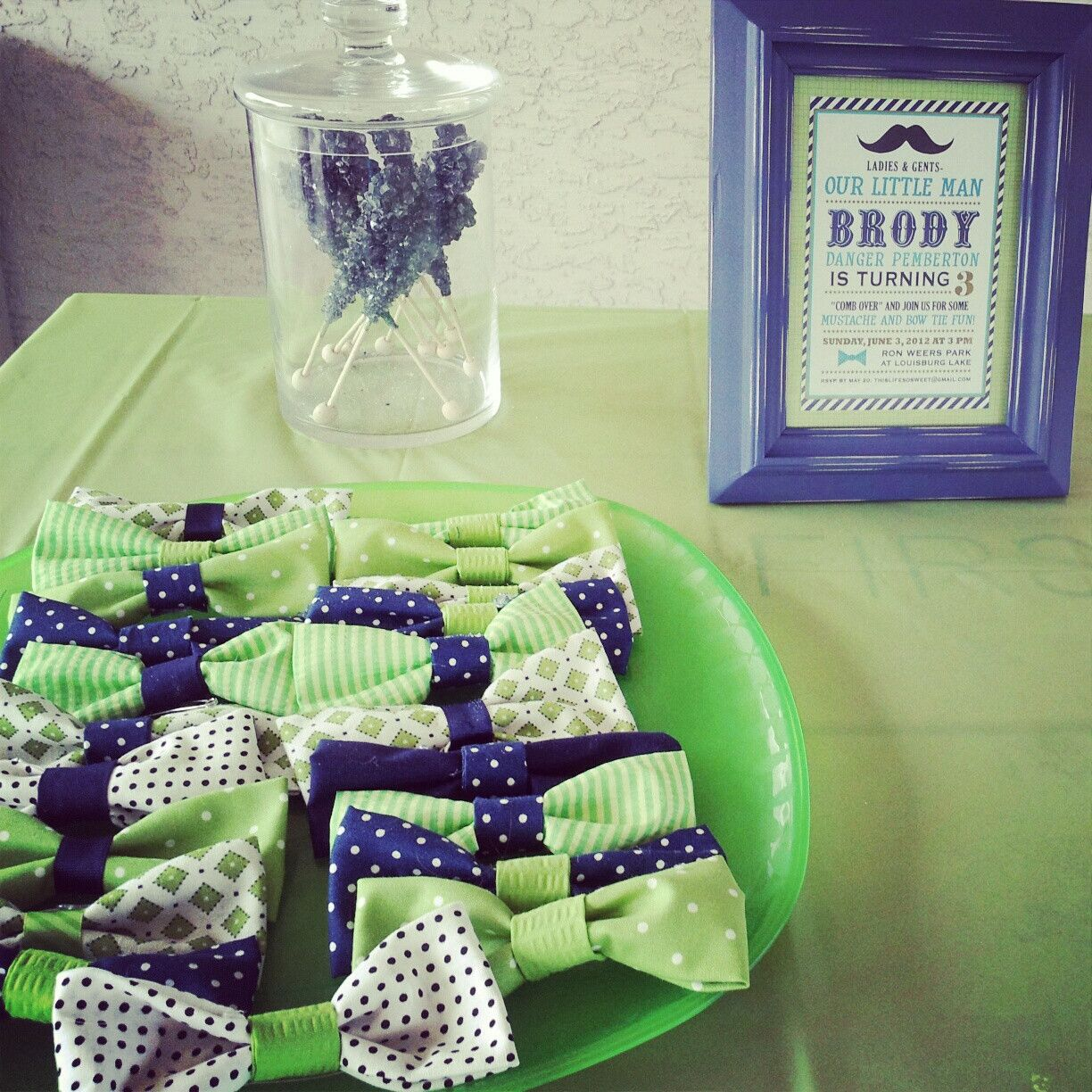 Little man birthday theme, bowtie party favors. Could be cute for a baby shower, too!