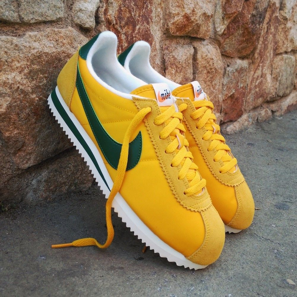 wholesale dealer 7a61f 48b66 NIKE WMNS CLASSIC CORTEZ NYLON PREMIUM YELLOW GREEN SUMMIT 876873 700