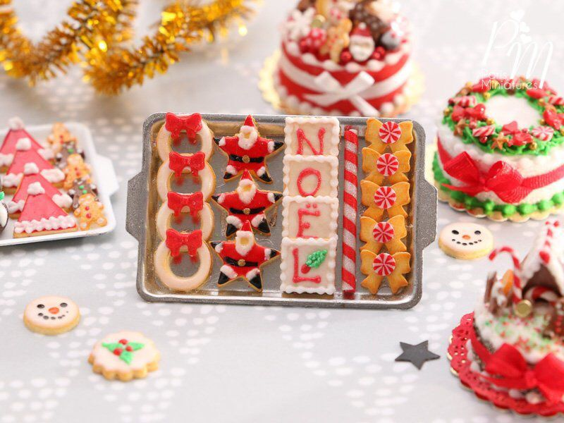 1:12 Scale Dollhouse Miniature Christmas Cookies and Candies on Plate
