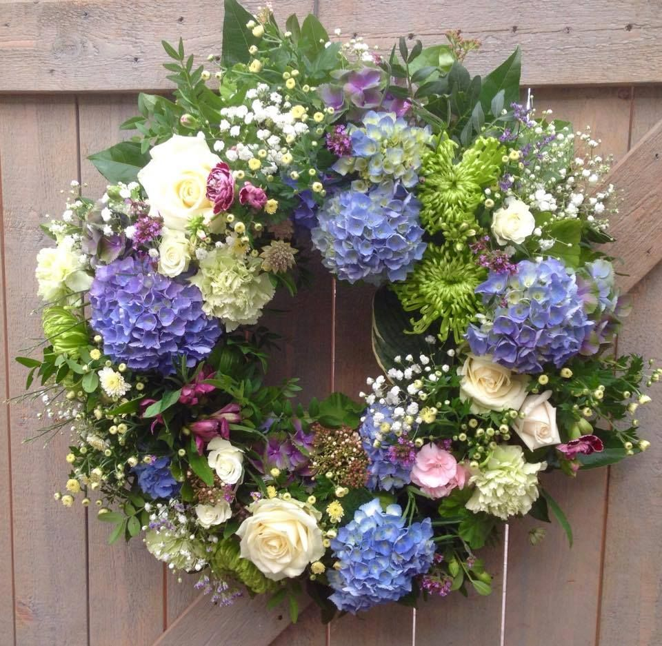 Pin By Tatiana On Pinterest Wreaths And Album