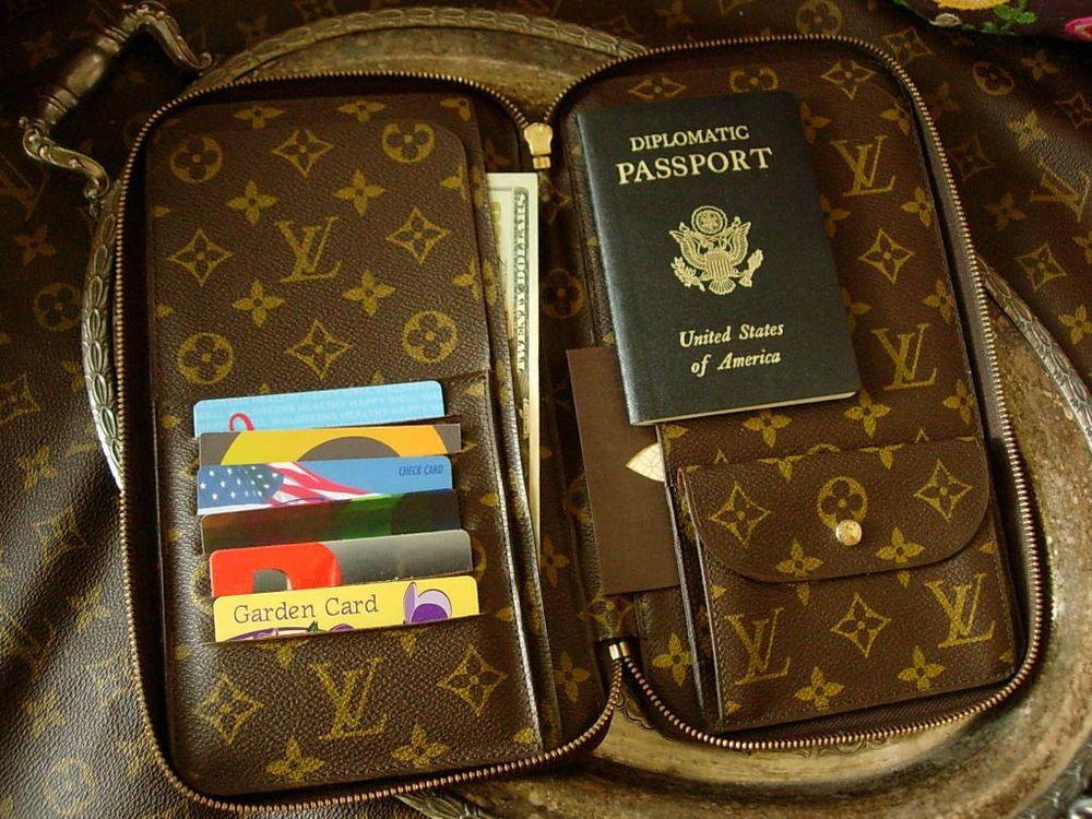 rare louis vuitton zip passport agenda cover portfolio. Black Bedroom Furniture Sets. Home Design Ideas