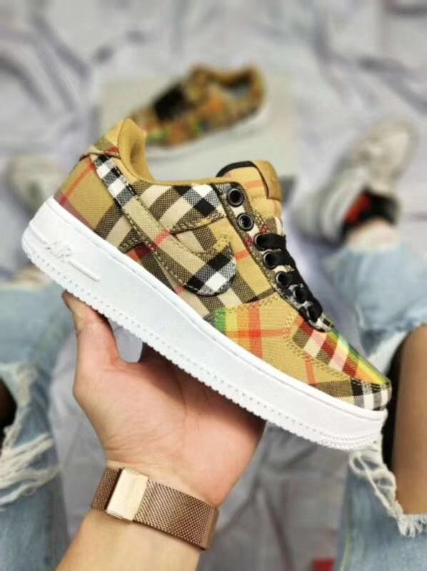 hot sale online 09e58 8a737 burberry x Nike Air Force 1