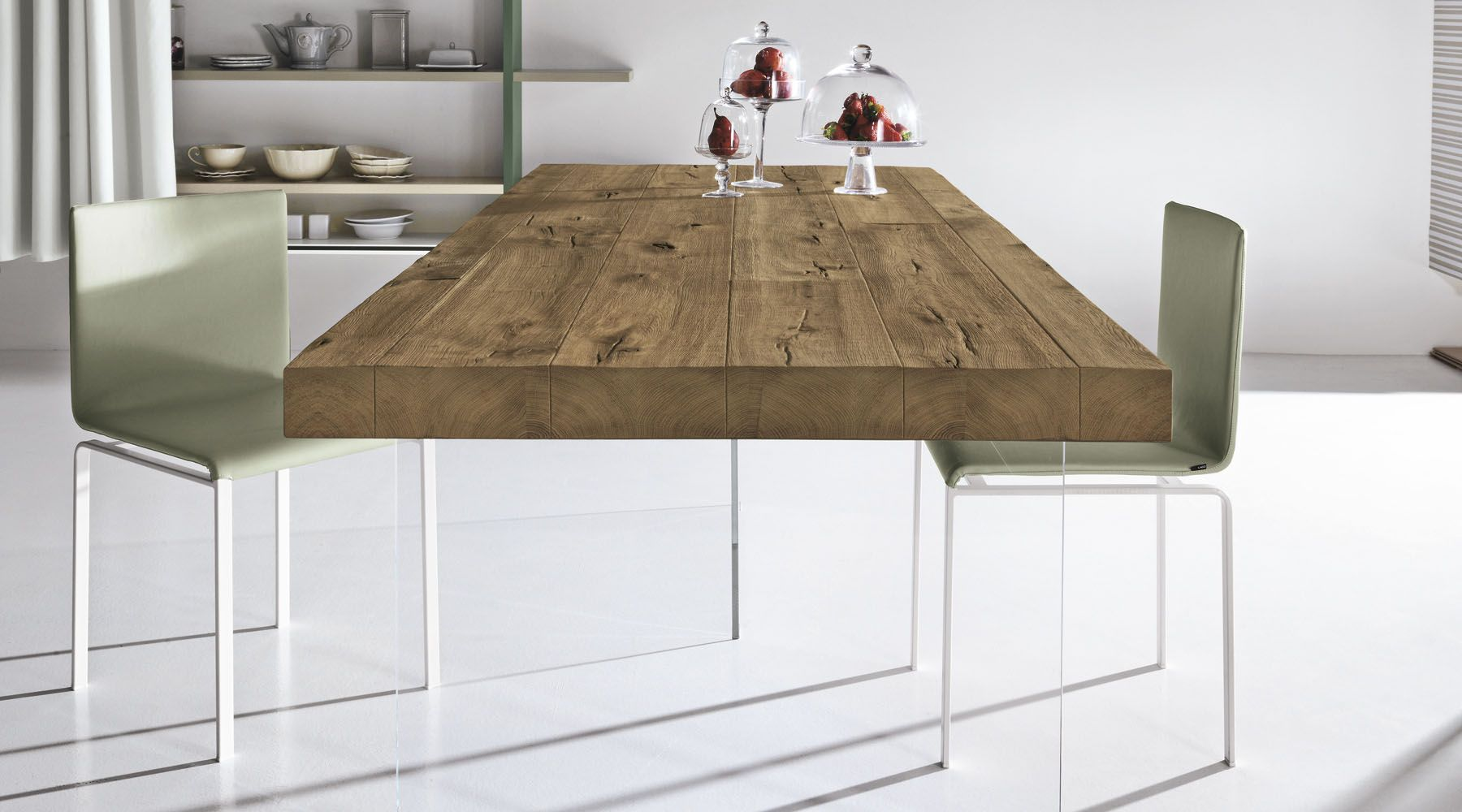 Tavolo Di Ufficio : Il tavolo air lago è un tavolo di design che sembra galleggiare