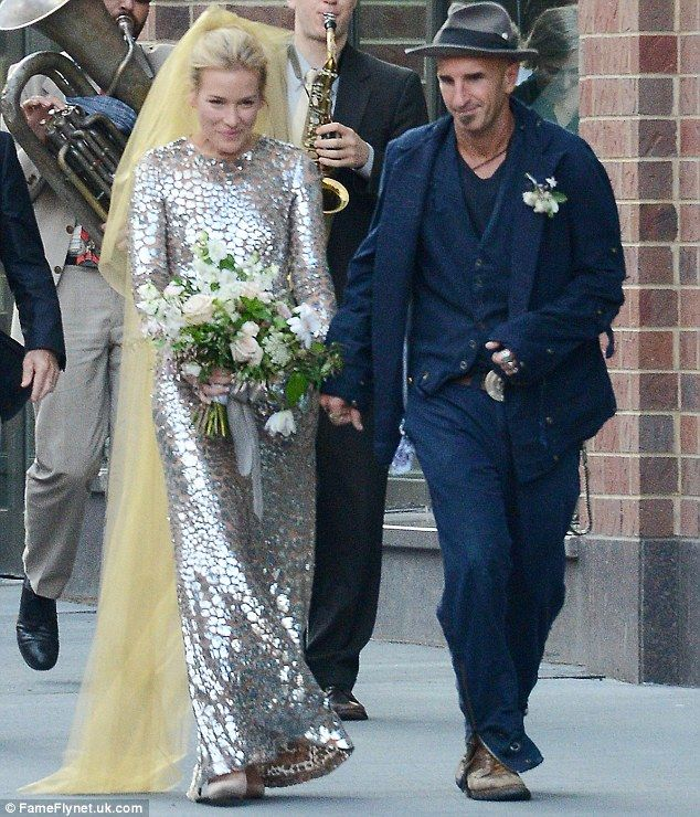 Resultado de imagem para piper perabo wedding dress bridal pinterest resultado de imagem para piper perabo wedding dress junglespirit Choice Image