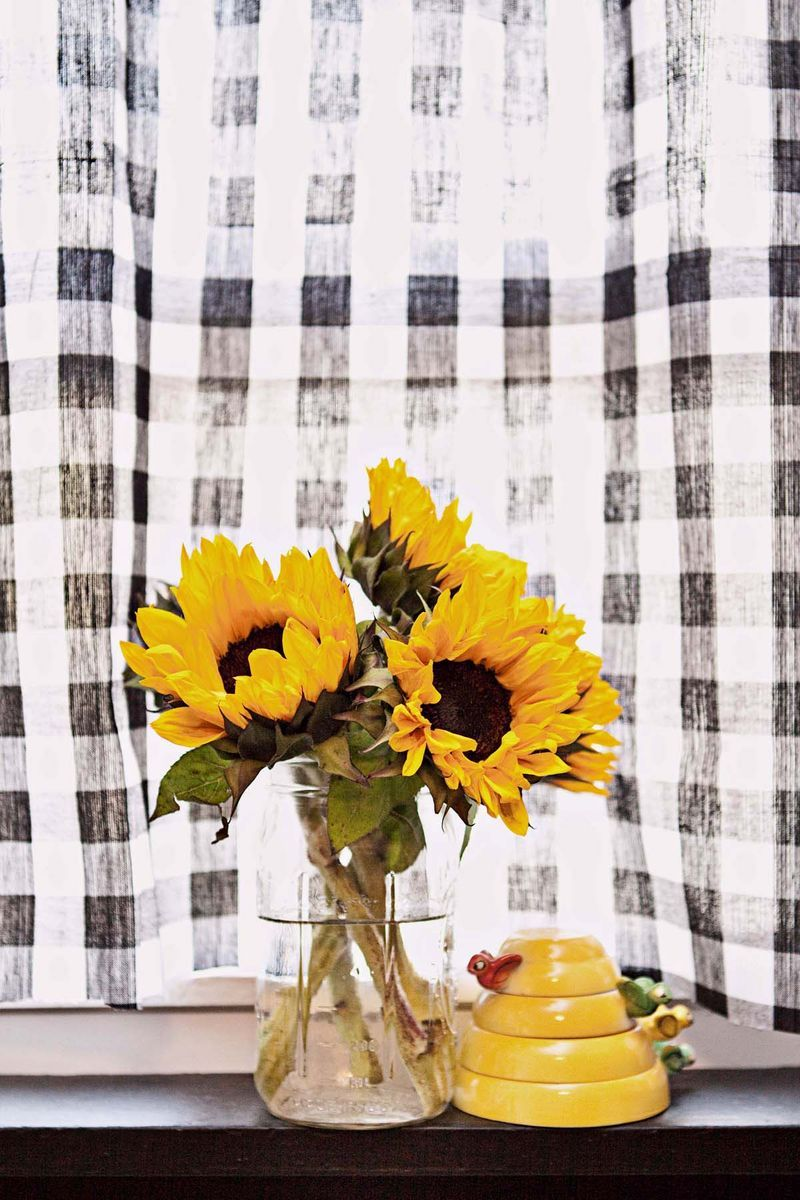 Flowers And Curtains In The Kitchen Yellow Kitchen Decor White