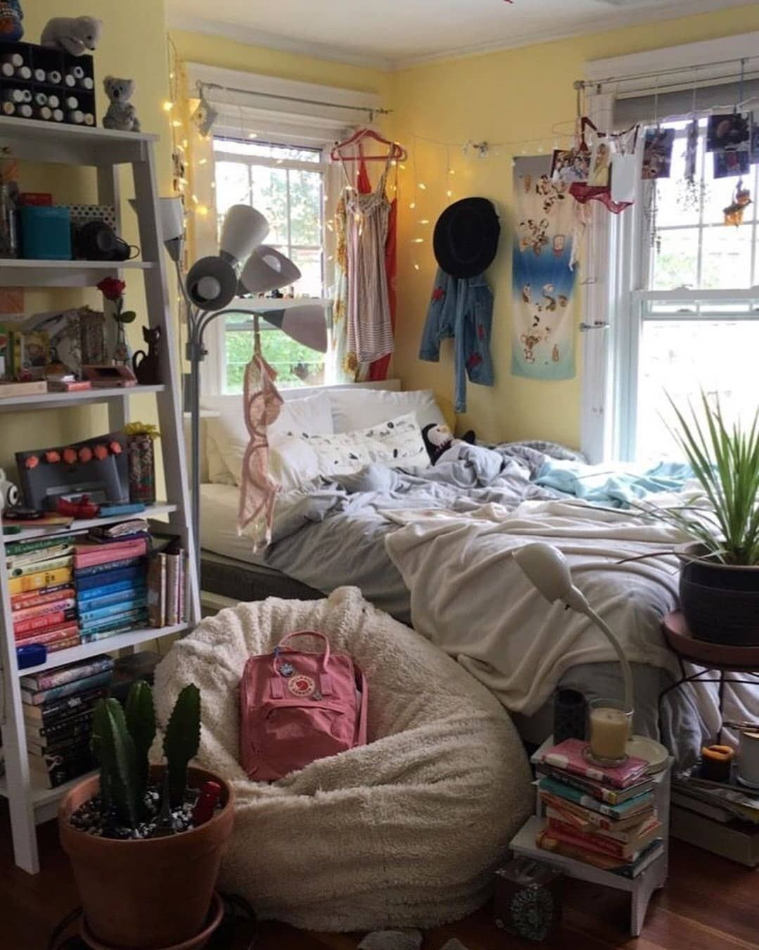 Pin By Lovely Girl On Indie Retro Room Inspo In 2020 Indie Room Room Inspo Retro Room