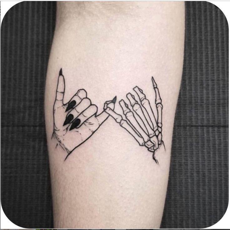 Photo of 30 coole & hübsche Hand Tattoo Design-Ideen für die Frau