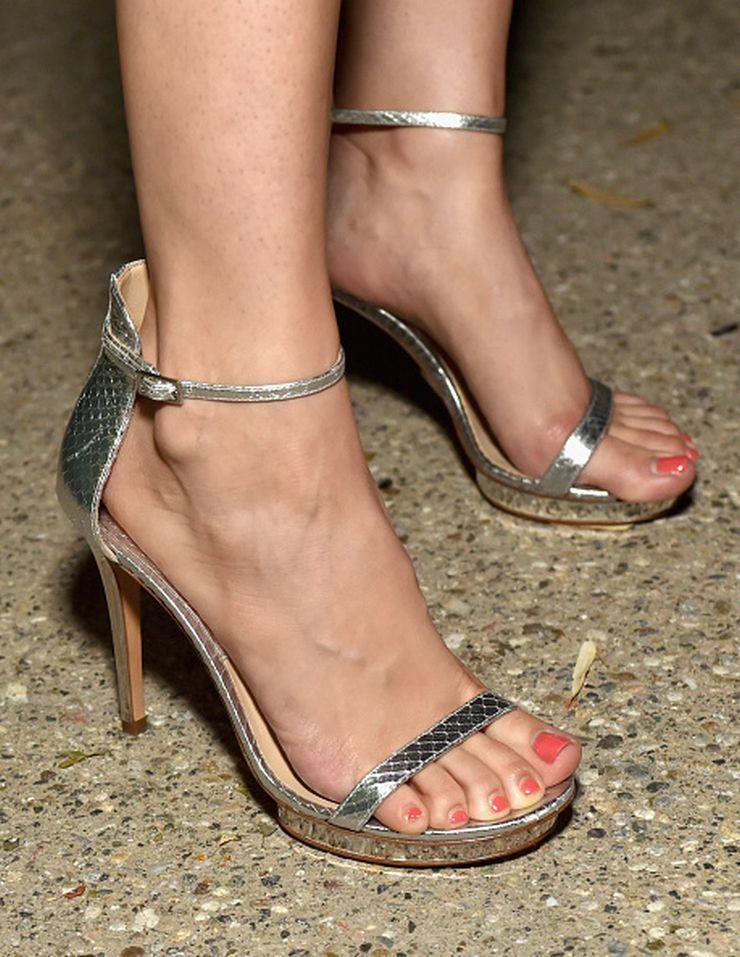 Alison brie feet