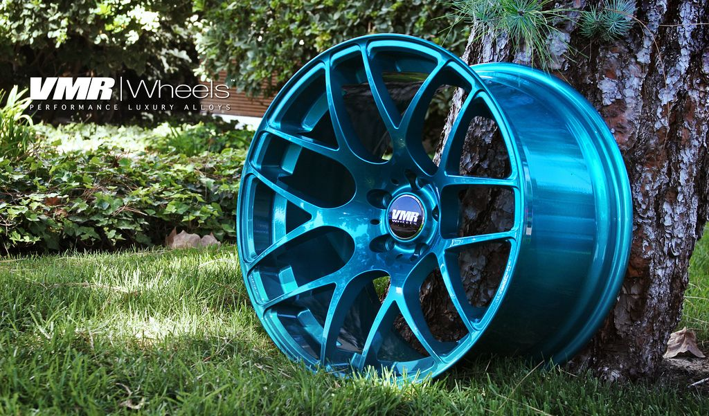 Not a fan of white cars but I love those Teal wheels <3   Fresh ...