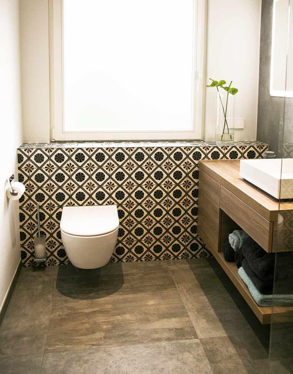 Badezimmer In 2020 Badgestaltung Badezimmer Dekorfliesen