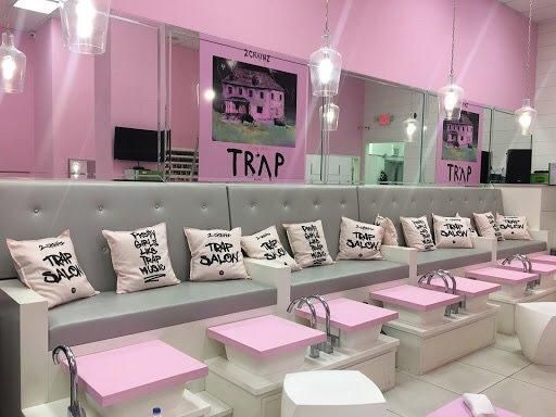 First a trap salon then a pink trap house chainz just might be