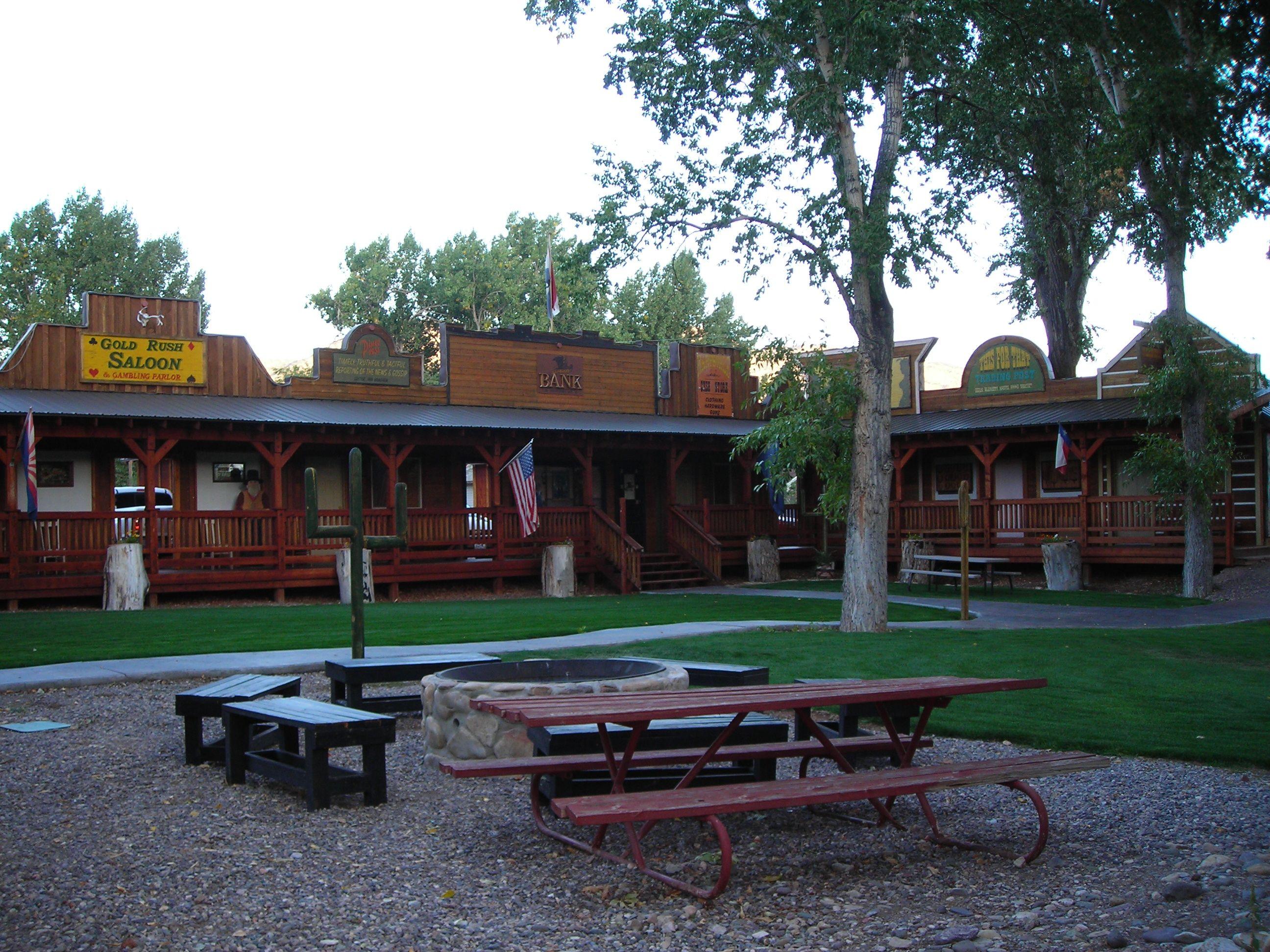 moore's old pine inn - marysville, utah bed and breakfast - has