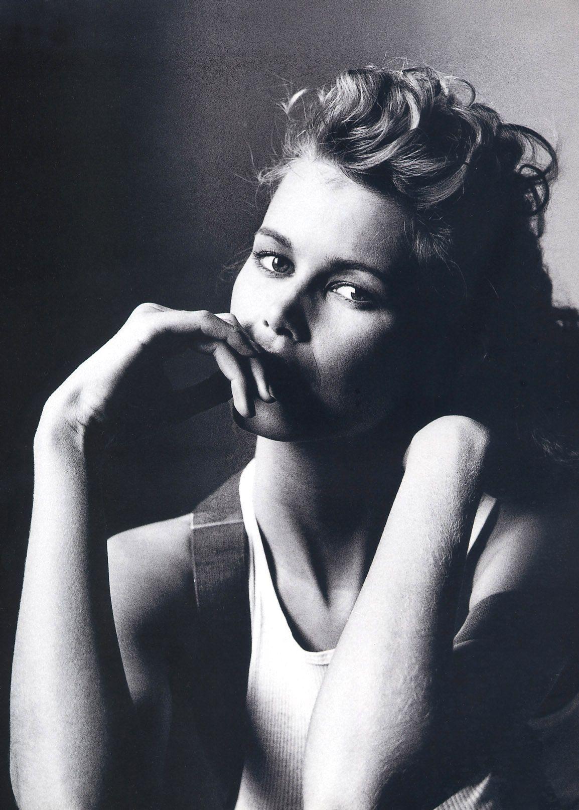 Supermodelshrine Irving Penn Irving Penn Portrait Claudia Schiffer