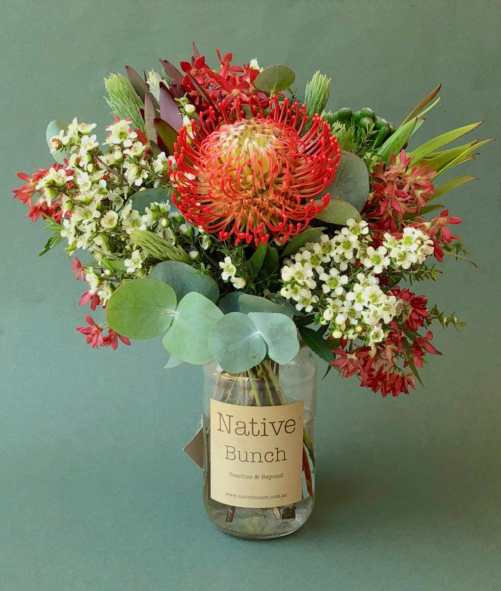 Christmas Posy At Native Bunch Red Pincushion White Ti Tree Red Christmas Bush Woolly Bush Berzilli Flower Bouq Australian Native Flowers Flower Delivery