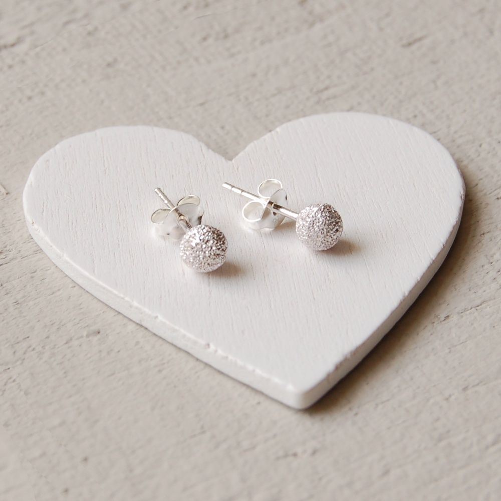 A Range Of Engraved Silver Jewellery Personalised Men S And Women Gifts Designer Online From Uk Supplier Highland Angel